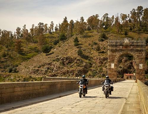 5 Destinos para disfrutar del Puente del Pilar en moto